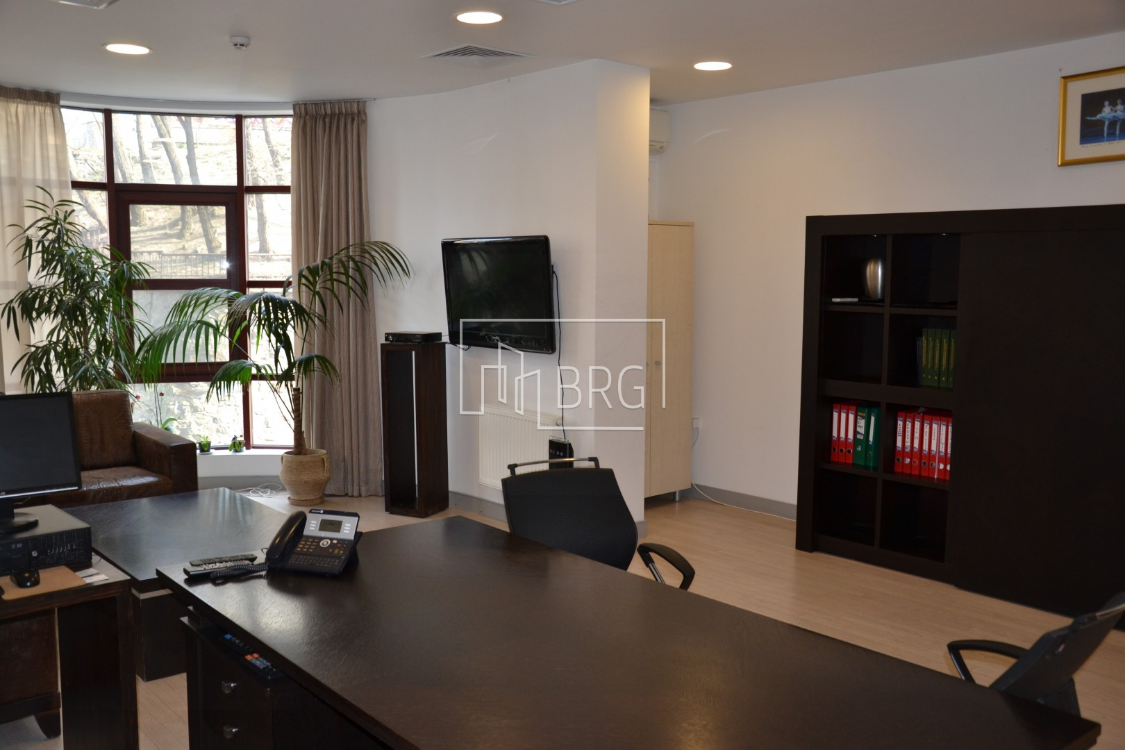 Office for sale 27b Khreshchatyk Street, Pecherskiy district. Kiev