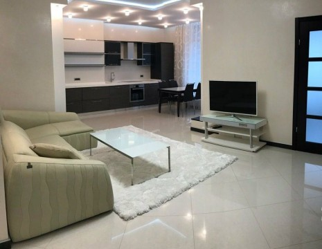 3 room apartment, Dragomirova Str., 3 . Kiev