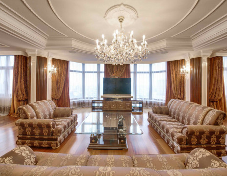 Penthouse 500m with a view of the Dnieper and Mariinsky Park. Kiev