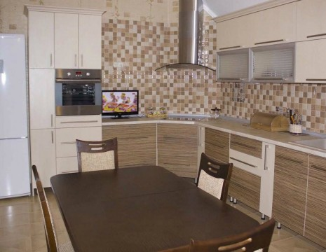 "3 room apartment, ""Vremena Goda"". Kiev"