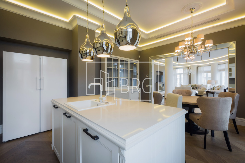 Apartment for sale 200m in residential complex Renaissance Residence in Pechersk. Kiev
