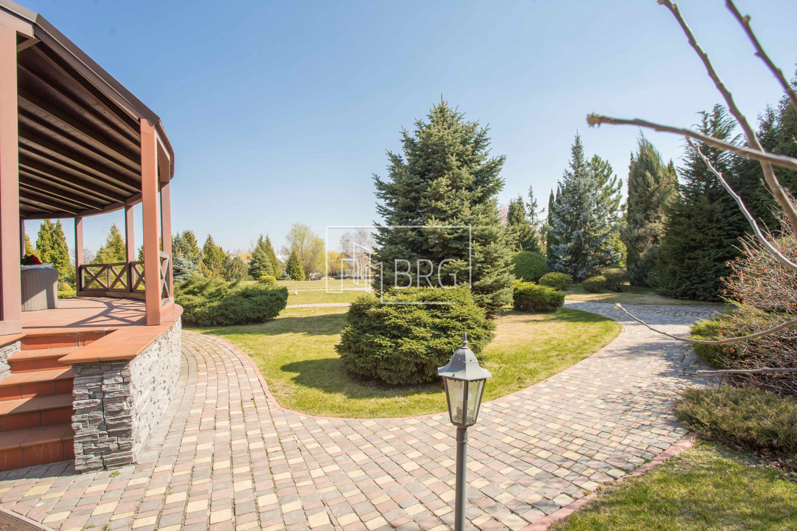 The house in Dniproprov KG Khvylya 578m with access to the Dnieper. Kiev region