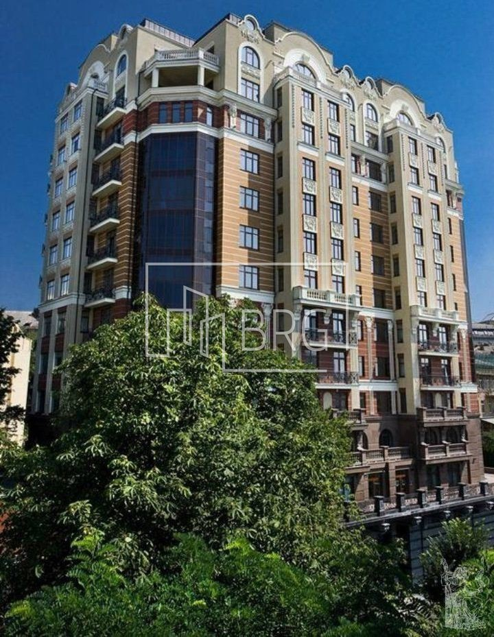 "4 room apartment, ""Ambassador House"". Kiev"