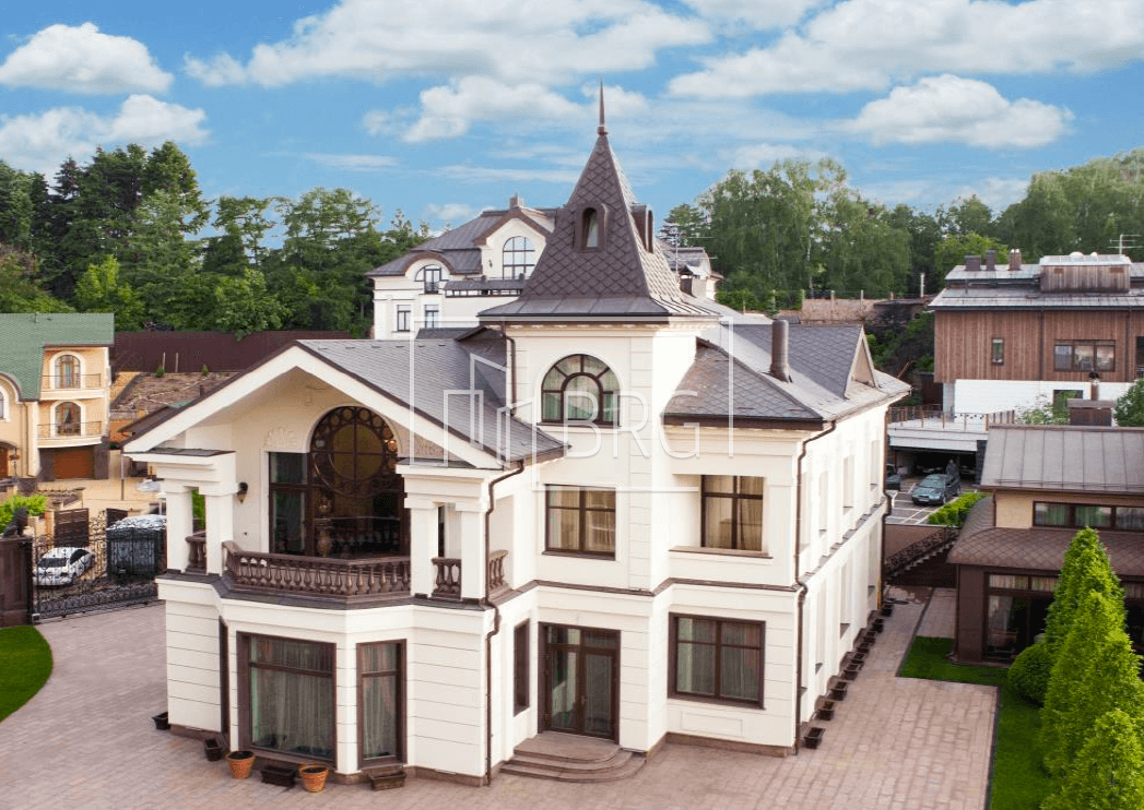 White House on Pechersk 1425m. Kiev