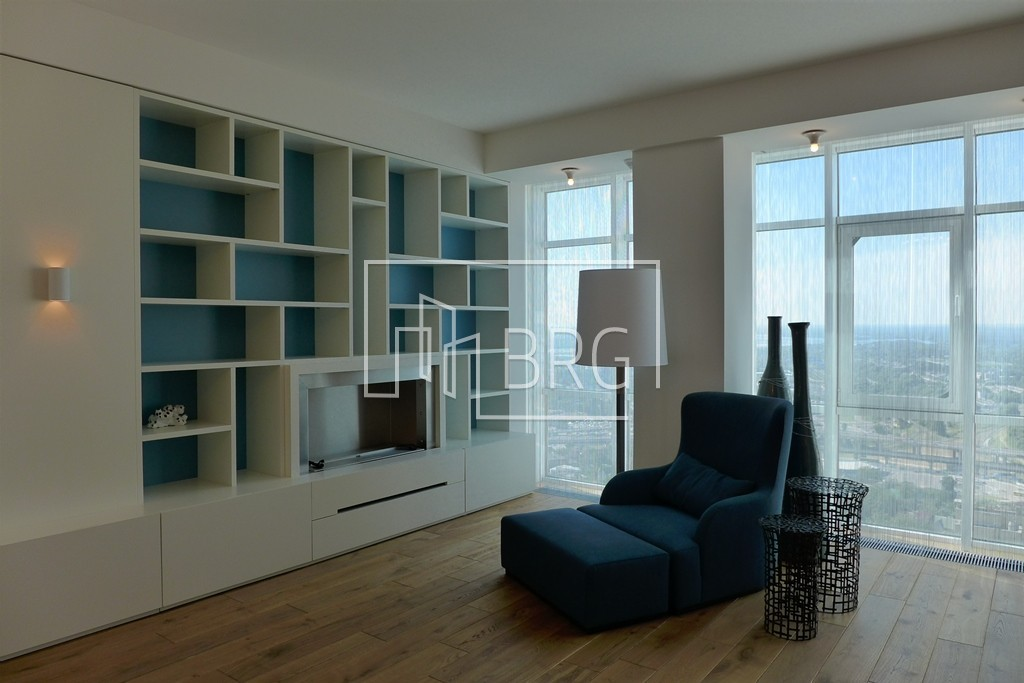 "2-room apartment, ""Triumph"". Kiev"