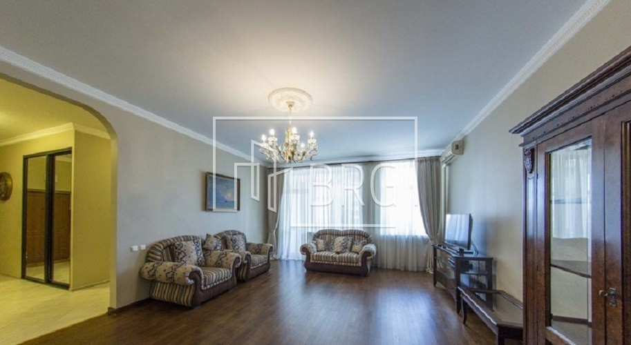 3 room apartment, Pechersk District. Kiev