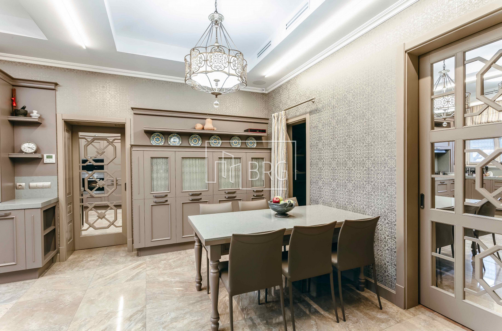 House 320m near Kiev in Pushcha-Voditsa. Kiev