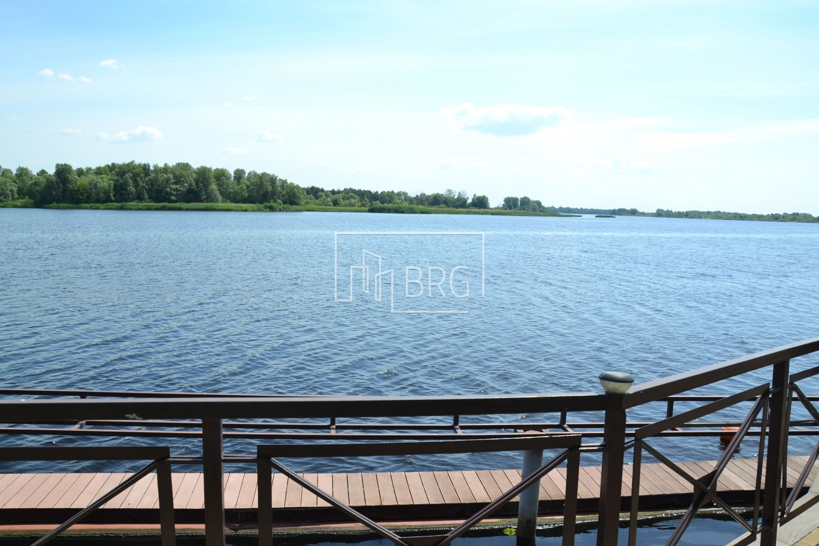 House 550 m2 - Cottage Town Dniprova Khvylya. Kiev region