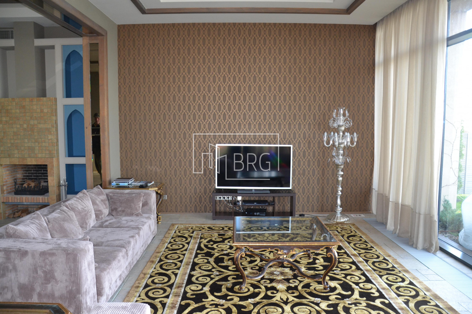 Moroccan-style Dam House with access to Kozinka 1000m. Kiev region