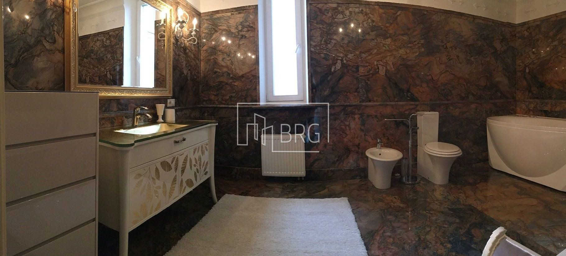 4 room apartment, Pechersk district. Kiev