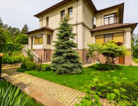 House 520m with a beautiful landscape in Lesnoy. Kiev region