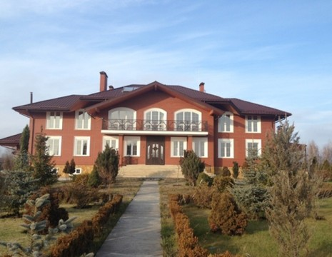 House of 1000 metres to river kozynka Obukhov district. Kiev region