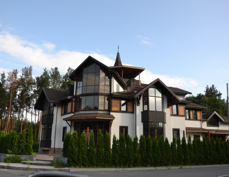 House KG South 1217m Koncha-Zaspa . Kiev region