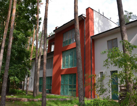 "House CG ""South"", 1302m, pine forest. Kiev region"